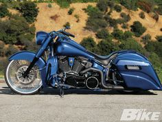Custom+Harley-Davidson | 2006 Harley Davidson Softail Deluxe Custom Side View