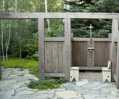 A rustic outdoor shower in Idaho's scenic Sun Valley takes its inspiration from the surrounding landscape. Says Ketchum, Idaho-based landscape architect Be Small Outdoor Patios, Outdoor Baths, Outdoor Spaces, Outdoor Gardens, Outdoor Living, Outdoor Sinks, Outdoor Shower Kits, Outdoor Shower Enclosure, Solar Shower