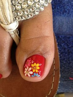 Red nails with spring flowers Pretty Toe Nails, Cute Toe Nails, Toe Nail Art, Pretty Toes, Pedicure Designs, Toe Nail Designs, Red Nails, Hair And Nails, Cute Pedicures