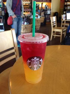 If you havent tried this drink at Starbucks you must Half Valencia orange half passion tea Amazing 550987335661674352 Starbucks Hacks, Healthy Starbucks Drinks, Starbucks Secret Menu Drinks, Yummy Drinks, Healthy Drinks, Starbucks Refreshers, Candy Drinks, Juice Smoothie, Smoothie Drinks