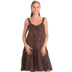 Dress with V neck and adjustable shoulder strap.This beautiful dress is on sale so hurry up!