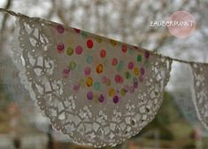 * MAGIC POINT *: Cake tips - spring pennant chain {D.Y for children} * MAGIC POINT *: Cake tips - spring pennant chain {D.Y for children}Nadine Lorenz Photography - Barn wedding at the Wildberghof BuchetVisit the post. Crafts For Teens, Diy Crafts To Sell, Diy For Kids, Fun Crafts, Arts And Crafts, Children Crafts, Sell Diy, Thanksgiving Crafts, Easter Crafts