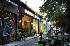 Εκεί που χτυπάει η καρδιά της Αθήνας: Η ανερχόμενη «κρυφή» περιοχή του κέντρου με τα υπέροχα στέκια που θα λατρέψεις! (Photos)