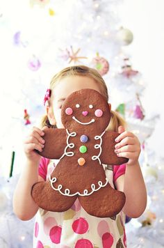 Jumbo Gingerbread Folk