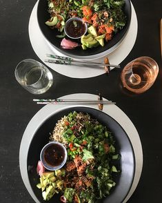 I know you have all herd of them but try and make Salmon Poke Bowls at home as they are so devine and so simple, fresh. Salmon Poke, Edamame Beans, Poke Bowl, Black Sesame, Seaweed Salad, Fitness Diet, Food Pictures, Great Recipes