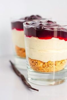 Mad & Søde Sager: Nem cheesecake i glas - Architect Pools Oreo Cheesecake, Pumpkin Cheesecake, Cheesecake Recipes, Classic Cheesecake, Strawberry Cheesecake, Chocolate Cheesecake, Pudding Desserts, Dessert Recipes, Delicious Desserts