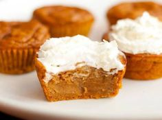 Impossible Pumpkin Pie Cupcakes - might have to make these for Thanksgiving!