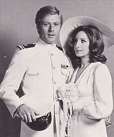 Barbra Streisand and Robert Redford in the deleted wedding scene from The Way We Were, 1973 American Singers, American Actors, Barbra Streisand Robert Redford, Wedding Scene, Sundance Film Festival, Influential People, Hello Gorgeous, Film Director, Girl Humor