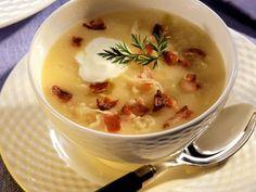 Kräftige Kartoffelsuppe mit Sauerkraut und Speck ist ein Rezept mit frischen Zutaten aus der Kategorie Wurzelgemüse. Probieren Sie dieses und weitere Rezepte von EAT SMARTER!