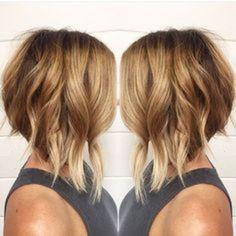 dark roots blonde ends a line bob with bangs Choppy Bob Hairstyles, Long Bob Haircuts, Long Bob Hairstyles, Summer Hairstyles, Vintage Hairstyles, A Line Bob With Bangs, Medium Hair Styles, Curly Hair Styles, Wavy Bob Long