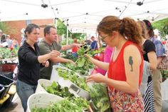 Green Juice recipe from Zeal Food for Enthusiasts (pictured: Jill and Eric Skokan of Black Cat farm sell greens, including over-wintered spinach) Cat Farm, Weekly Newspaper, Green Juice Recipes, Spring Green, Farmers Market, Spinach, Marketing, Black, Food