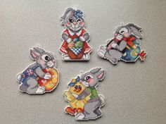 cross'n'stitch Easter bunnies