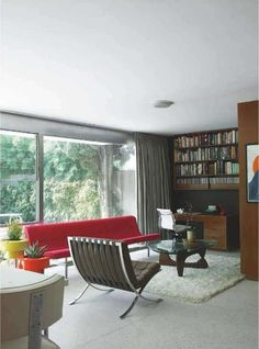 Richard Neutra house in Los Angeles - living room