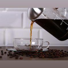 Ha nemcsak a mit, de a hogyan is fontos, válaszd a Trendglas minőséget, mert: 🔖hőálló 🔖könnyen tisztítható 🔖mosogatógép és mikroálló 🔖antiallergén 🔖dizájnos 🔖elegáns és letisztult 🔖ilyennek minden konyhában lennie kell Minden, V60 Coffee, Coffee Maker, Kitchen Appliances, Glass, Products, Coffee Maker Machine, Diy Kitchen Appliances, Coffee Percolator
