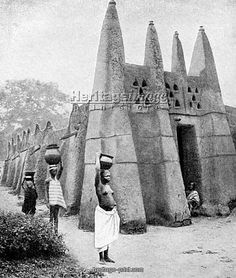 Restored old photo of Ghana. Cantilever Architecture, Architecture Design, Vernacular Architecture, Ancient Architecture, Africa Art, Out Of Africa, West Africa, African House, Berber