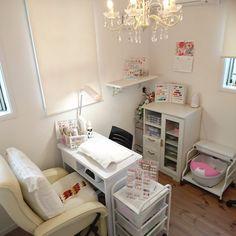 Home Beauty Salon, Home Nail Salon, Hair And Nail Salon, Nail Salon Design, Nail Salon Decor, Beauty Salon Decor, Salon Interior Design, Nail Desk, Nail Room