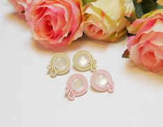 2 pair soutache Earrings, Small 2 cm Earrings, Round Stud Earrings, Yellow and Light Pink with White cabochon, Cute Earrings, Gift for her This earrings are made in soutache embroidery technique. The color is combination of Champagne yellow and White and Light Rose and White. They are made with Rayon Sotache, White Cabochon and Suede on the back. The earrings findings are hypoallergenic. Size: length 2.3 cm (0.9 inches) width 2 cm (0.8 inches) They are light and very comfortable. All my… Soutache Earrings, Pearl Earrings, Light Rose, Cute Earrings, Embroidery Techniques, Gifts For Her, Champagne, Jewelry Design, Pairs