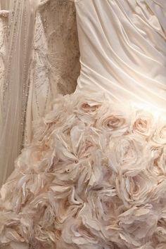 itsacherryicecreamsmile: Phillipa.  Lepley.  couture.  sposa.  indossare.