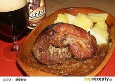 vepřové koleno jedna báseň Czech Recipes, Russian Recipes, Pork Roast, Food 52, Meat Recipes, Slow Cooker, Steak, Food And Drink, Tasty
