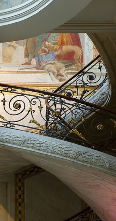 Staircase at La Galerie Vivienne, Paris, France - Architecture Details, Interior Architecture, Interior And Exterior, Galerie Vivienne, Tuileries Paris, Stairs And Staircase, Floating Staircase, Beautiful Stairs, Stairway To Heaven