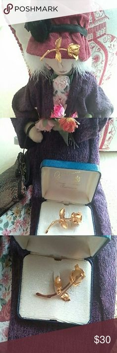 VINTAGE GIOVANNI CERRITO GOLD ROSE BROOCH Received this in mid 60's for Christmas. This pin represents the Christmas Legend Rose. This particular pin is heavily gold plated. Never wore it. It's? been in the gift box all these years. This would be a great gift for the nostalgic vintage jewelry lover. Smoke and pet free home. Jewelry