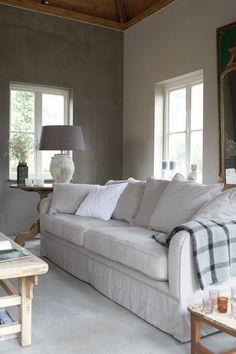 Chalky coloured livingroom