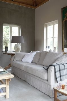 Chalky coloured livingroom