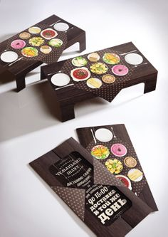 Card that folds into a festive table - fantastic idea for a flyer
