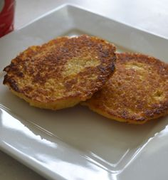Learn how to make Arepas de Queso - a staple from Colombia and Venezuela. Learn how to make Arepa Rumbera, Arepa Pabellón, Reina Pepiada, Cachapas and more. My Colombian Recipes, Colombian Food, Fresh Avocado, Ripe Avocado, Slow Cooked Chicken, How To Cook Chicken, Dominos Recipe, Rib Meat, White Cheese