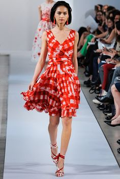 Oscar de la Renta Resort 2013 Collection Photos - Vogue