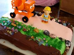 Do it Yourself Bob the Builder Birthday Cake from Life as Mom