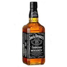 Jack Daniel's    -BOTTIGLIA DA LITRO-   è una marca di whiskey, facente parte della categoria dei Tennessee whiskey, nota soprattutto per la sua bottiglia a forma rettangolare, utilizzato anche come ingrediente base di vari cocktails.