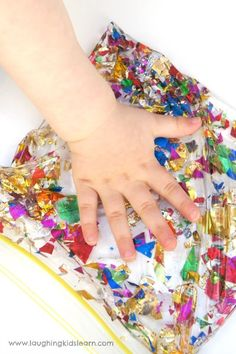 Simple sensory bag using glitter and baby oil