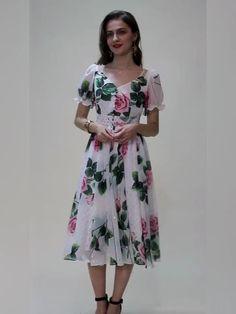 LD LINDA DELLA Fashion Runway Summer Dress Women V-Neck Beading Vintage Rose Flower Print Ladies Elegant Chiffon Midi Dresses Elegant Summer Dresses, Summer Dresses For Women, Stylish Dresses, Summer Dresses With Sleeves, Casual Dresses, Indian Fashion Dresses, Summer Fashion Outfits, Floral Dress Outfits, Floral Midi Dress