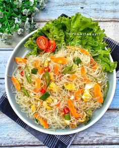 Mie Goreng Recipe, Food N, Food And Drink, Crockpot Recipes, Cooking Recipes, Indonesian Food, Indonesian Recipes, One Pot Meals, Food Dishes