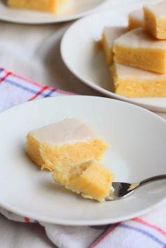 Lemon Brownies, Savoury Baking, Blondies, Cornbread, Pineapple, Fruit, Ethnic Recipes, Sweet, Desserts