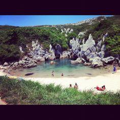 Playa de Gulpiyuri, Naves, Llanes (Asturias) Spain