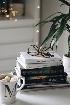 Boeken, books, bril, glasses – Most Comfortable Things I Love Books, Good Books, My Books, Book Aesthetic, Aesthetic Pictures, Shotting Photo, Foto Blog, Coffee And Books, Book Photography