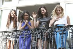 """Vanessa Hudgens and Selena Gomez Photo - """"Spring Breakers"""" Cast Waves to Fans"""