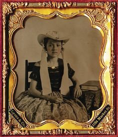 1/6 PLATE CASED AMBROTYPE - AN EXQUISITE QUALITY IMAGE OF RARE BEAUTY - AMAZING!