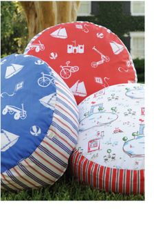 poufs...need one!!