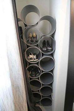 Un rangement à chaussures réalisé avec des tubes de PVC déco DIY