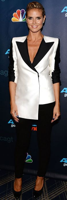 Who made  Heidi Klum's jewelry, white blazer, black pants and black pumps that she wore in New York on August 7, 2013?