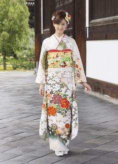 Kimono Design, Traditional Fashion, Yukata, Kimono Top, Sari, Asian, Oriental, Japanese, Tops