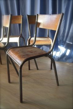 Chaise vintage Mullca 511