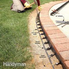 Use Brick Borders for Path Edging Make an attractive border for a concrete walkway or patio using brick pavers set on a bed of gravel and sand. With a solid gravel base, a brick border will last for the life of your house. Driveway Edging, Paver Edging, Brick Driveway, Brick Edging, Concrete Walkway, Brick Path, Gravel Driveway, Brick Pavers, Brick Landscape Edging