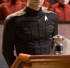 Zachary Quinto ¦¦ Spock, Star Trek <-- I love his portrayal of Spock Film Star Trek, Star Trek 2009, Star Trek Spock, New Star Trek, Star Trek Beyond, Star Trek Movies, Star Wars, Star Trek Tos, Star Trek Enterprise