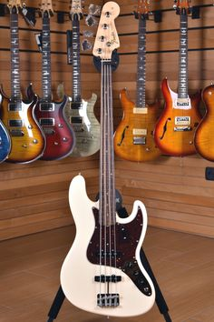 Fender American Original '60s Jazz Bass Rosewood Fingerboard Olympic White