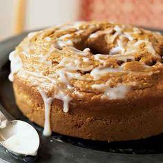 Pumpkin Pound Cake with Buttermilk Glaze - Pumpkin Cake Recipes - Cooking Light Köstliche Desserts, Delicious Desserts, Dessert Recipes, Holiday Desserts, Dessert Healthy, Health Desserts, Dinner Recipes, Cupcakes, Cupcake Cakes