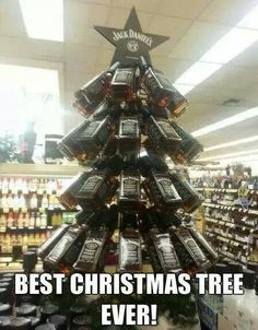 Jack Daniels Tree - The Memes Factory Funny Merry Christmas Memes, Best Christmas Quotes, Funny Christmas Tree, Happy Merry Christmas, Christmas Jokes, Christmas Images, Christmas 2019, Portal Christmas Tree, Whiskey Girl